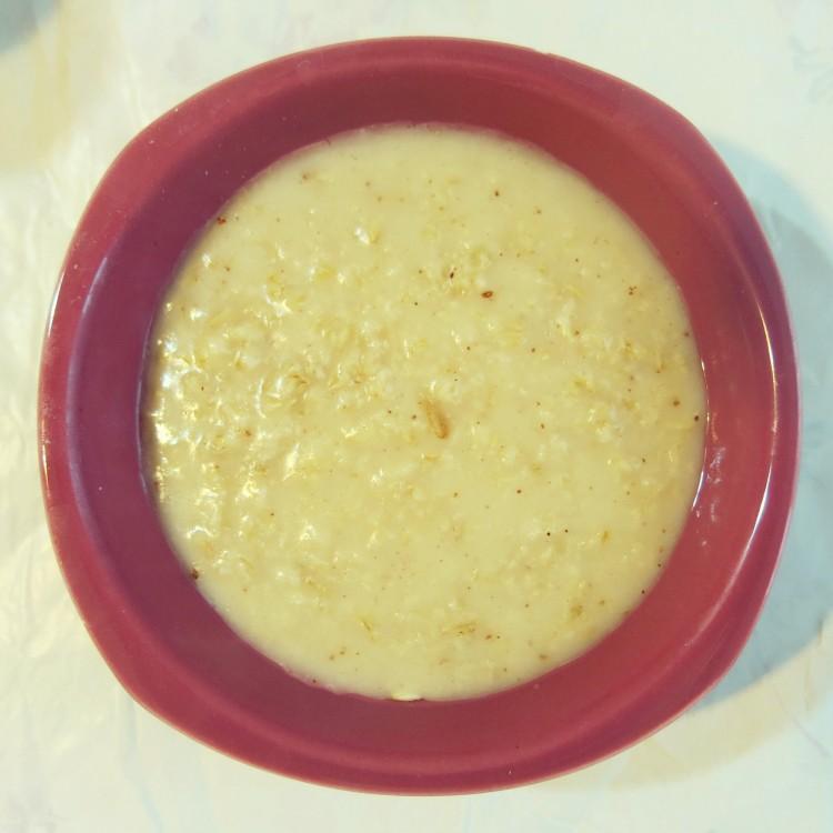warm porridge with cinnamon